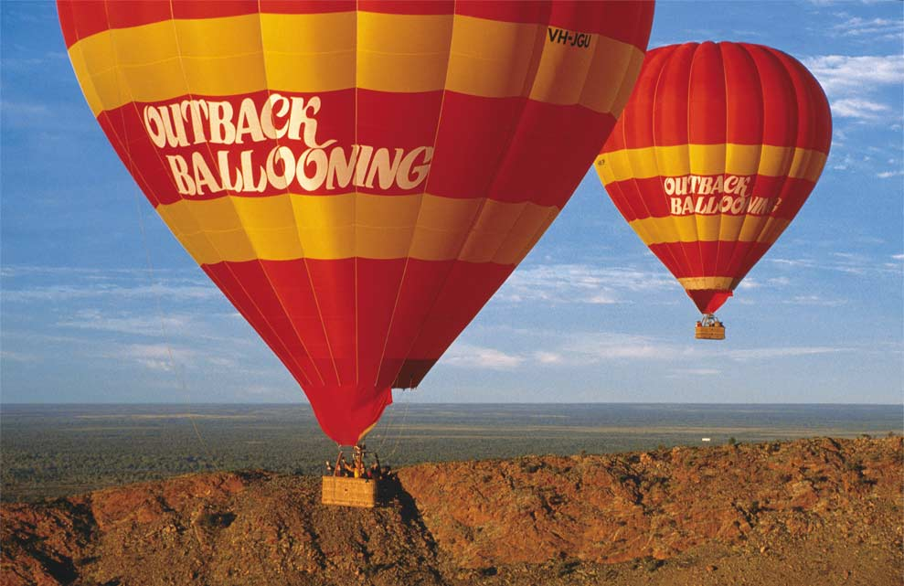 A Day Spent in Alice Springs - Outback Ballooning - Globetrotting horse riding holidays