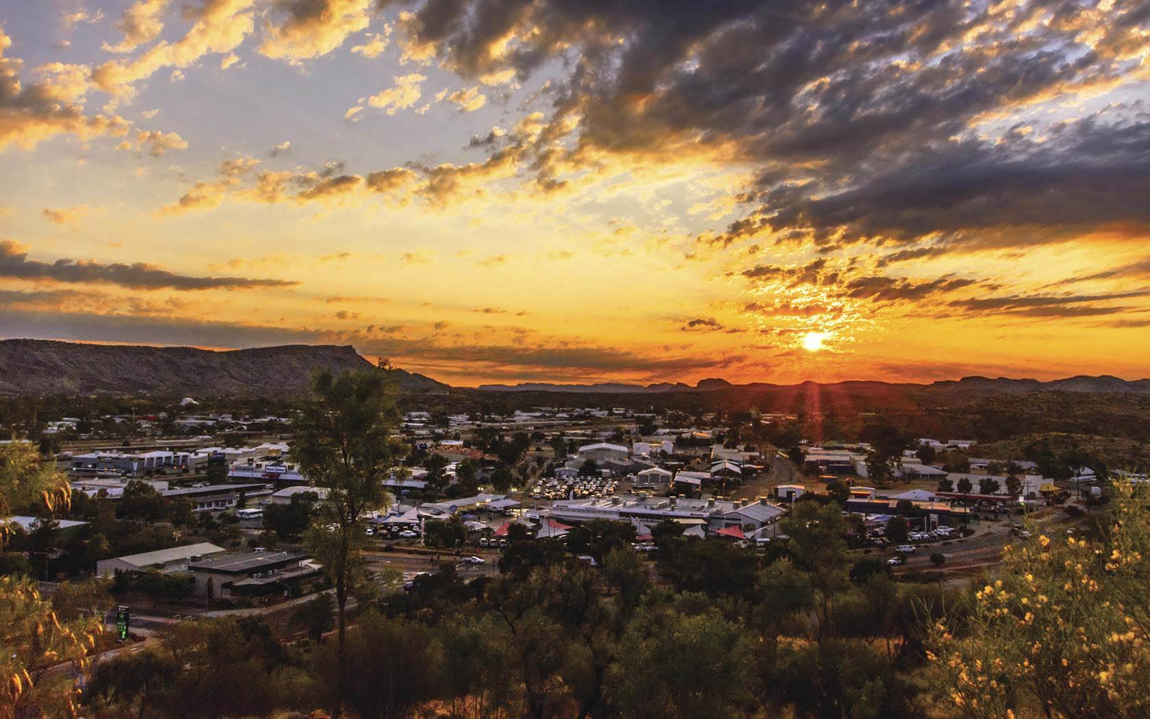 A Day Spent in Alice Springs - AWOL/Junkee - Globetrotting horse riding holidays