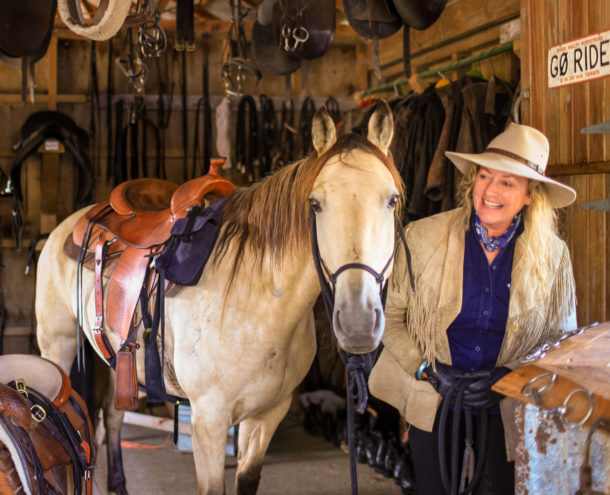 Meet our Guides: Nicola and Janey - The River Valley Ride, North Island, New Zealand - Globetrotting horse riding holidays