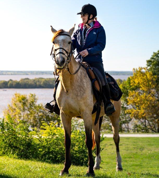 Bordeaux Wine Trail, France - Globetrotting horse riding holidays