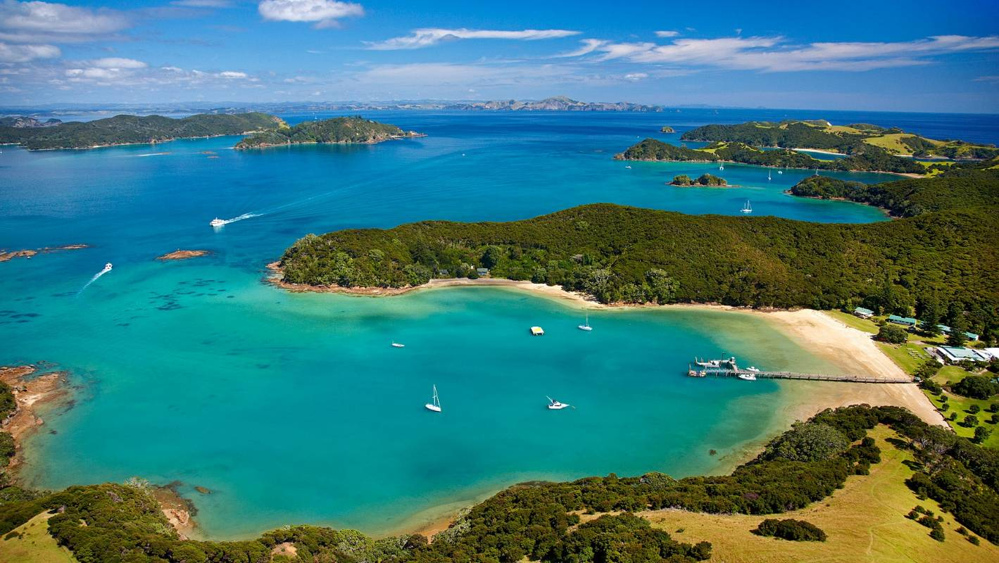 A Day Spent in Paihia - Chris McLennan - Globetrotting horse riding holidays