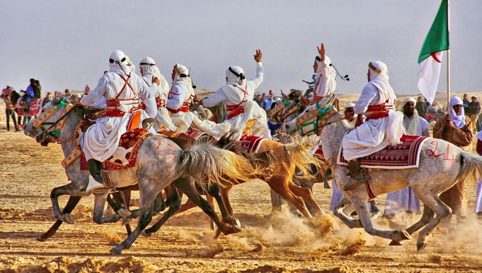International Festival of the Sahara - Dan Jaeger Vendruscolo - Globetrotting horse riding holidays