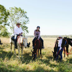 horse riding holiday australia