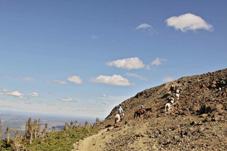 horse riding trek canada